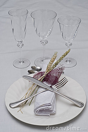 Prepared table to eat.