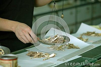 Preparing Chinese Medicine