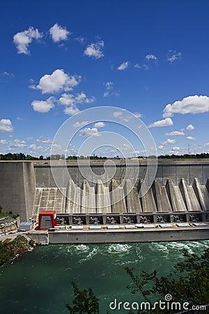Presa de la energía hidraúlica del agua