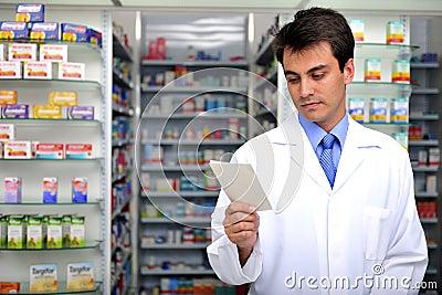 Prescrição da leitura do farmacêutico na farmácia