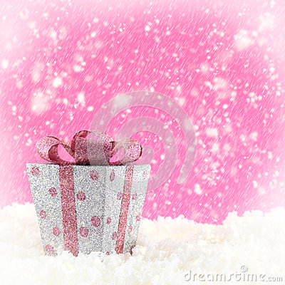 Present box with snow