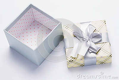 Present package and garlands