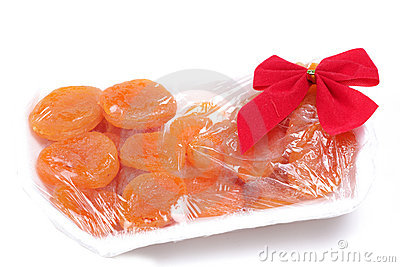 Preserved dry peaches