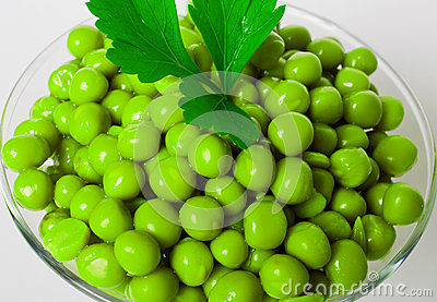 Preserved green peas