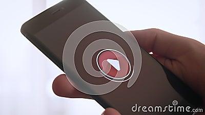 Pressionando a tecla 'Iniciar Cópias' no smartphone vídeos de arquivo