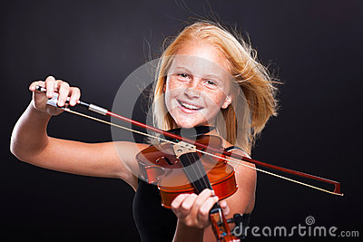 Preteen girl violin