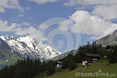 Pretty austrian houses with amazing view
