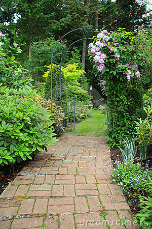 Free Pretty Garden Path Stock Image - 12796811