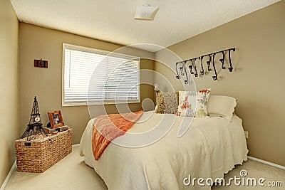 Pretty gentle bedroom