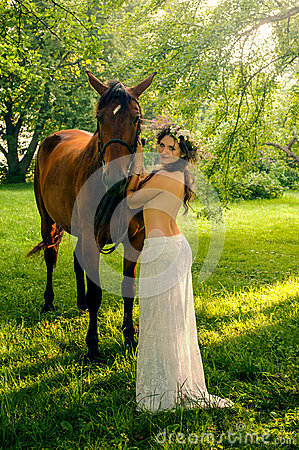 Free Pretty Nude Woman With Horse Stock Images - 44762504