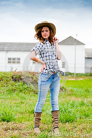 Pretty teenage girl in cowboy hat