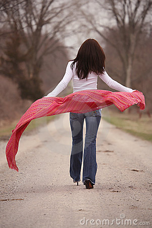 Free Pretty Woman In Red Shawl Stock Images - 652674