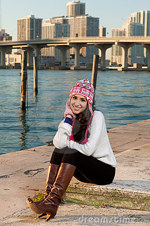 Free Pretty Young Woman Along The Bay With Skyline Royalty Free Stock Photo - 17461745