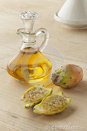 Free Prickly Pear Seed Oil Stock Photography - 60856632