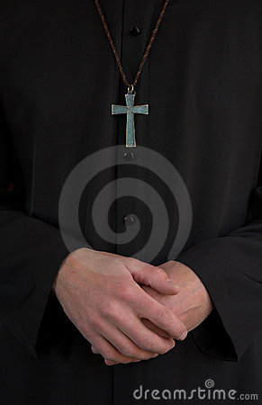 Free Priest, Crucifix And Hands Royalty Free Stock Photo - 953405