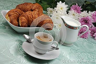 Il giornale dell 39 isola felice anno 2 numero 336 for Buongiorno con colazione