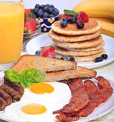 Prima colazione ricca
