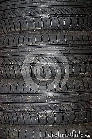 Primer del fondo del neumático de coche