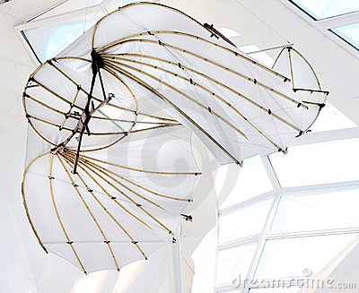Primera máquina de vuelo de da Vinci Foto de archivo editorial