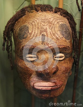 Free Primitive Mask With Shells, Papua New Guinea Royalty Free Stock Images - 37521179