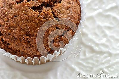 Primo piano del muffin di crusca