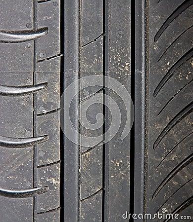 Primo piano della priorità bassa della gomma di automobile