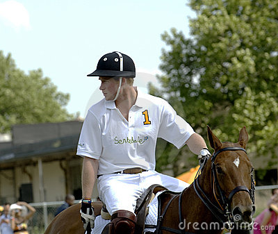 prince harry polo. PRINCE HARRY PLAYING POLO