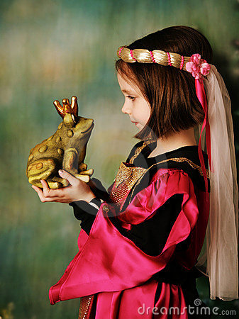 Free Princess And The Frog Prince Royalty Free Stock Photo - 18087585