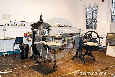 Printing workshop in a college