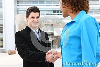 Prise de contact d équipe d affaires
