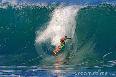 Pro Surfer Kalani Chapman Surfing at Pipeline Editorial Stock Image