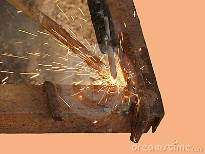 Process of welding of metal by an electric current