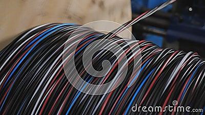 Produzione industriale di cavi in rame avvolgere il cavo sulla bobina archivi video