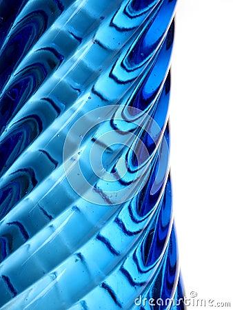 Profiel van een blauwe glasvaas