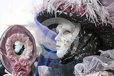 Profilera av ett Venetian maskerar Redaktionell Fotografering för Bildbyråer