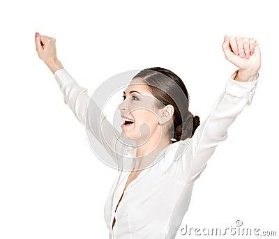 Den lyckliga kvinnan med lyftt räcker upp