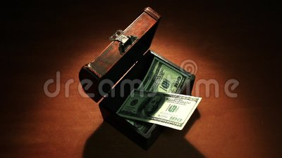 Profitto segreto Molti soldi 100 dollari di banconote stock footage