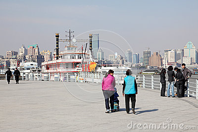 Promenade in Shanghai, China Editorial Stock Image