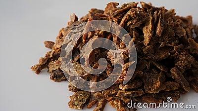 Propolis-Granulat Bienenprodukte Apidose Bienenzucht Propolis ist ein Bienenkleber Natürliches Antibiotikum stock footage