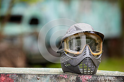 Protective helmet for paintball player