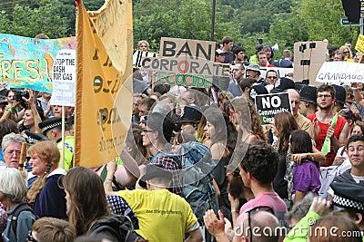 Protestations de Balcombe Fracking Photo stock éditorial