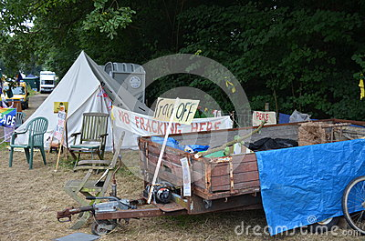 Protestations fracking de Balcombe Image éditorial