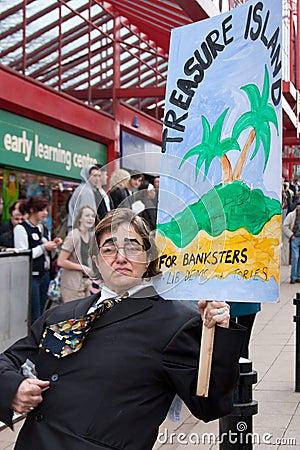 Protesti il congresso BRITANNICO di LibDem; contro i banchieri! Fotografia Editoriale