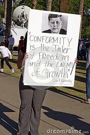 Protesto do SB 1070 da lei da imigração do Arizona Foto Editorial