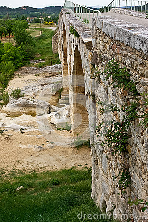 Provence s Pont Julien