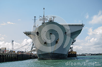 Prow hms illustrious, Portsmouth Obraz Editorial
