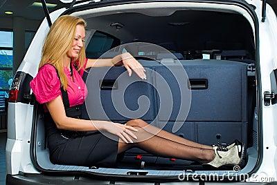 Przedziału bagażu kobieta