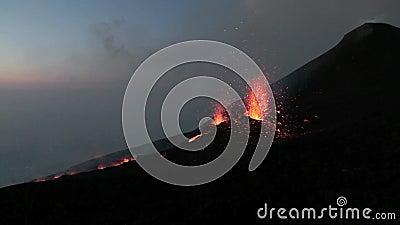 przegląd erupcja przy świtem