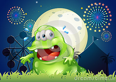 Przepocony zielony potwór przed parkiem rozrywki