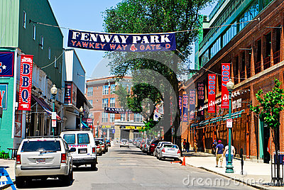 Przy Fenway Parkiem Yawkey Sposób, Boston, MA. Obraz Stock Editorial